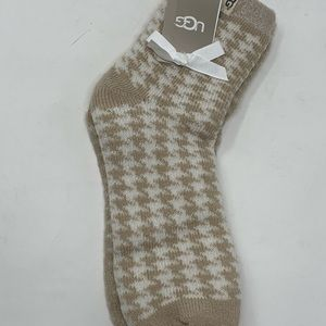UGGS women's cozy anklet socks shoe size 5-10